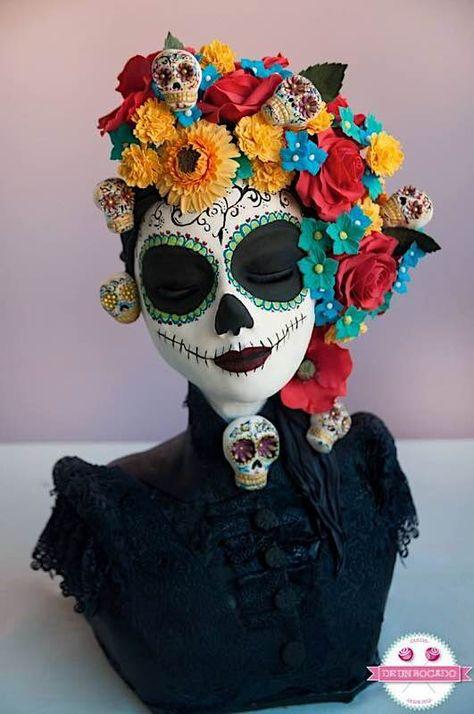 10 Drop Dead Gorgeous Cakes For Dia de los Muertos — Cake Wrecks Sugar Skull Makeup, Sugar Skull Art, Sugar Skulls, Halloween Kostüm, Halloween Costumes, Vintage Halloween, Day Of Dead Costume, Gorgeous Cakes, Dead Gorgeous