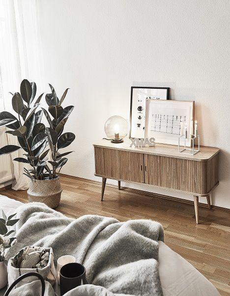 Modern Vibes Das Sideboard Barbier Von Zuiver Sorgt In Diesem Schlafzimmer Fur Modernes Deisgn Kombiniert M Zimmer Einrichten Zimmer Kleine Zimmer Einrichten