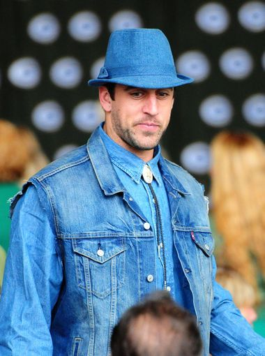 Green Bay Packers Quarterback Aaron Rodgers Is Sporting The Denim Look During The 51st Annual Welcome Back Packers L Green Bay Packers Green Bay Green And Gold