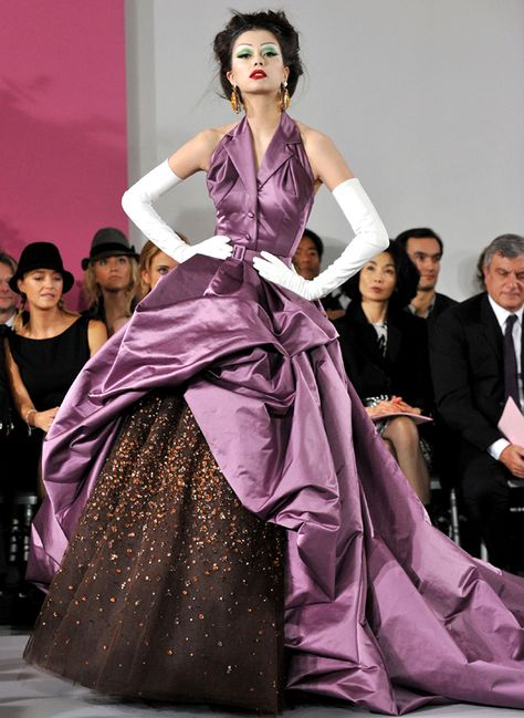 The Great Lakes state of Michigan with one of the longest freshwater coastline in the world, sends this truly stunning and understated beauty, timelessly elegant in an Dior inspired couture evening gown  -  http://www.ninimomo.com/npc11michiganA.jpg