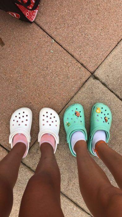 24 Crocs How To Wear Ideas Glamsugar Com Crocs Fashion Crocs Pink Crocs
