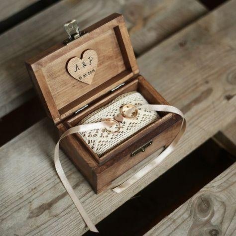 Personalisierte Hochzeit Ring-Box. Rustikale Holz-Ring-Box. Rustikal-Ring-Halter. Ring-Träger #caixasdemadeira Ringkissen für die Trachtenhochzeit