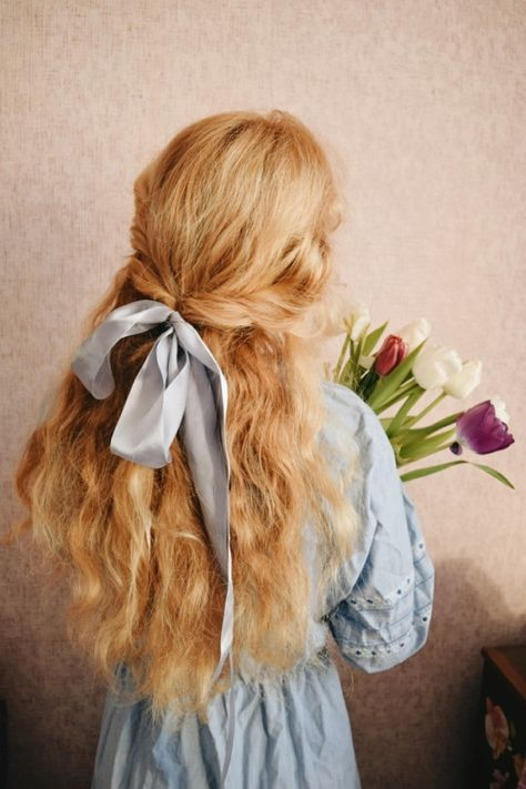 hair ribbons pretty to up your look in 10 seconds 18 Hair Inspo, Hair Inspiration, Hair Ribbons, Poses References, Princess Aesthetic, Hair Reference, Aesthetic Hair, Pinterest Hair, Grunge Hair