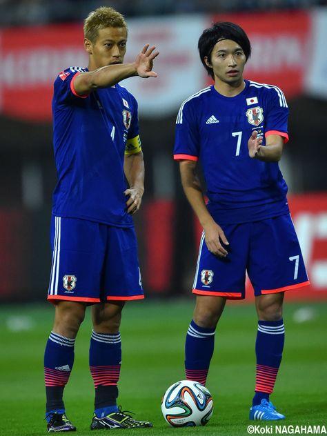Keisuke Honda (MF - #4) Gaku Shibasaki (MF - #7) KIRIN CHALLENGE CUP Japan vs. Jamaica at DENKA BIG SWAN STADIUM 2014-10-10