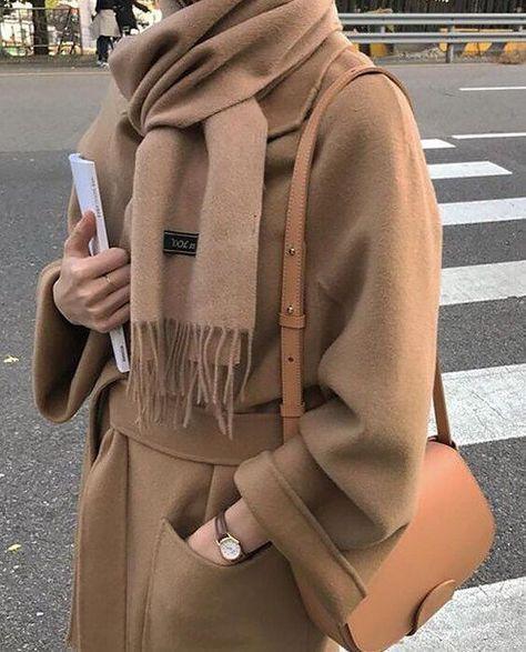 Stylish bows with coat 4