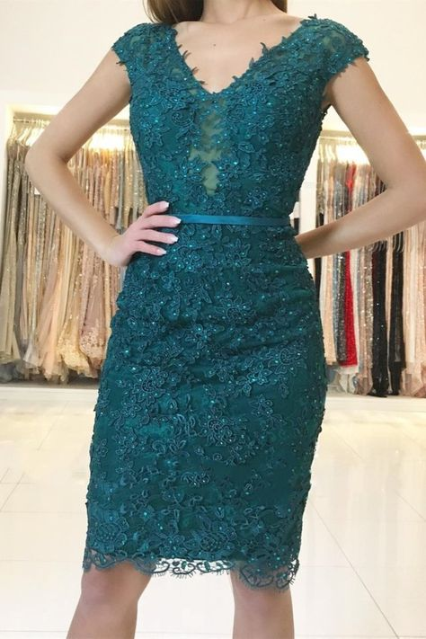 Elegant Short Beaded Formal Evening Gowns with Lace Appliques Mother of The Bride Dresses #motherofthebridedressesshort #motherofthebridedresseskneelength #motherofthebridedresseslace