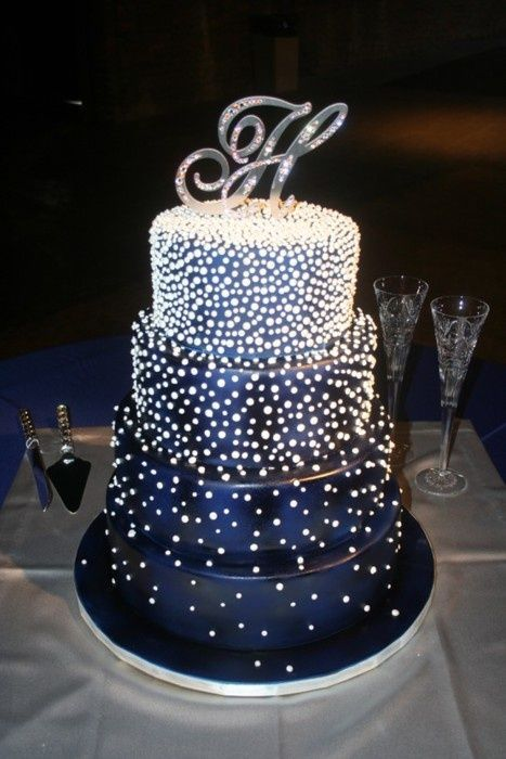 dark sparkly wedding cake - this looks like my prom dress. Love!