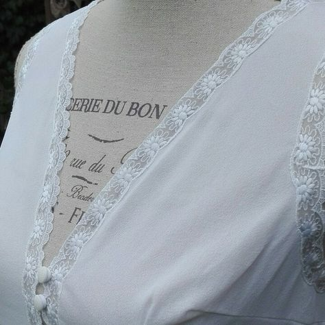 Camicia da notte shabby chic vintage bianca