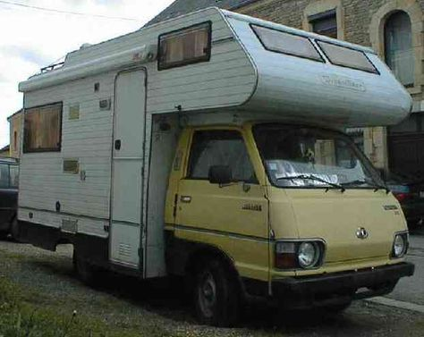 1982 Toyota hiace Dreamliner camping-car.