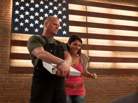 Mike holmes giving women everywhere a new appreciation for go behind the scenes and on location with mike holmes and the rest of the crew solutioingenieria Gallery