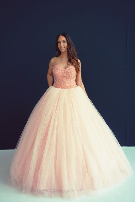 Trouwjurk Blush.Weddingdress Rose Quartz By Crystalline Www Crystallinebr