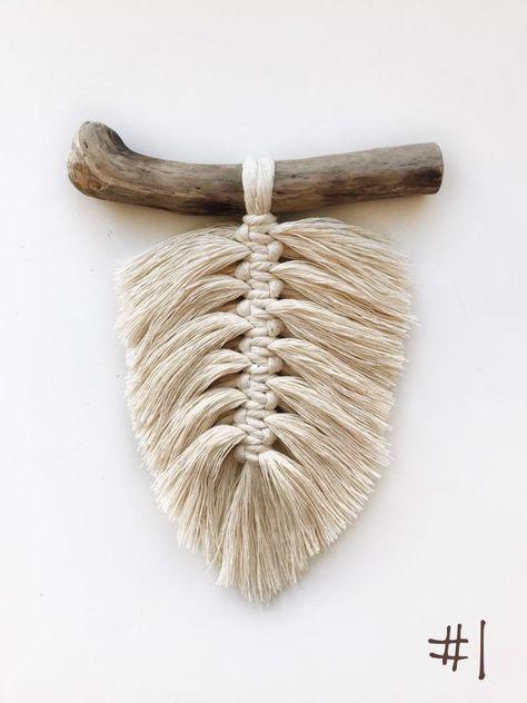 Small macrame wall hanging Macrame feather Boho feathers | Etsy