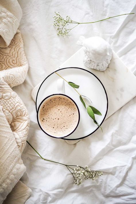Chai tea mix is one of the easiest mixes to make ahead of time. You can also make a chai tea concentrate with this mix. Natural Mojo, Homemade Chai Tea, Willow And Sage, Boho Dekor, Spa Day At Home, Coffee Pictures, Coffee Photography, Breakfast Photography, Food Photography