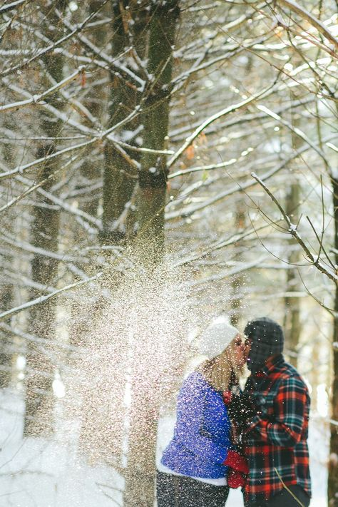 Snowy Engagement Pictures  - Spencer Combs Photography