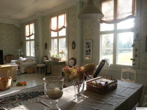 rokokoo,vanhat huonekalut,sisustus,olohuone