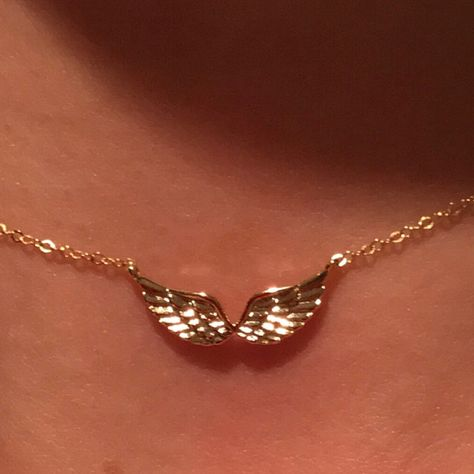 Angel Wings Necklace Angel Wing Necklace Guardian Angel Fairy Wings Gift for Her Best Friend Dainty Jewelry, Cute Jewelry, Jewelry Accessories, Women Jewelry, Fashion Jewelry, Jewelry Trends, Jewelry Bracelets, Trendy Jewelry, Luxury Jewelry