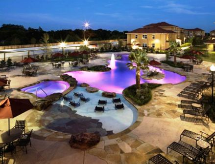 An Apartment Pool In College Station Texas Apartment Pool College Living Pool
