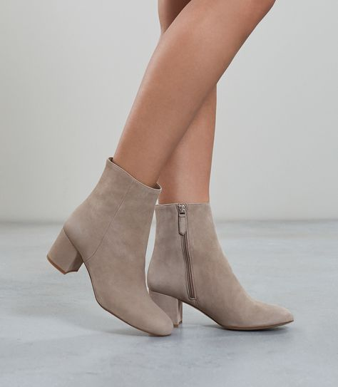 0e927b129d7c2 Reiss Delphine Suede Block Heeled Ankle Boots Grey - 10