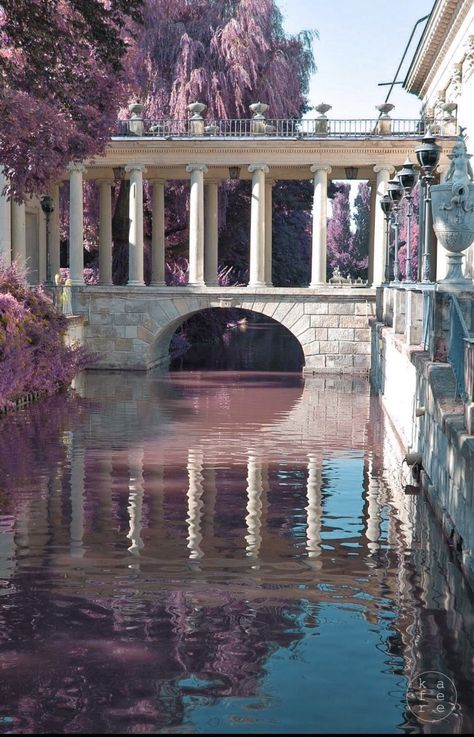 Bridge at Lazienki Palace in Warsaw, Poland Nature Aesthetic, Travel Aesthetic, Beautiful Architecture, Art And Architecture, Ancient Architecture, The Places Youll Go, Places To Visit, Palace Garden, Aesthetic Pictures
