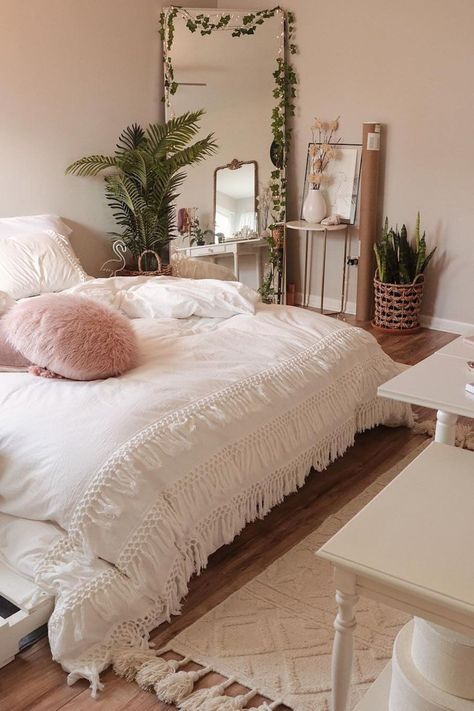 trendy bedroom diy plants urban trendy bedroom diy plants urban outfitters Nice 48 Cheap Teen Girls Bedroom Ideas With Simple Interior. 55 Pretty Pink Bedroom Ideas For Your Lovely Daughter Cute Bedroom Ideas, Cute Room Decor, Room Ideas Bedroom, Home Decor Bedroom, Bedroom Inspo, Bed Room, Modern Bedroom, Trendy Bedroom, 60s Bedroom