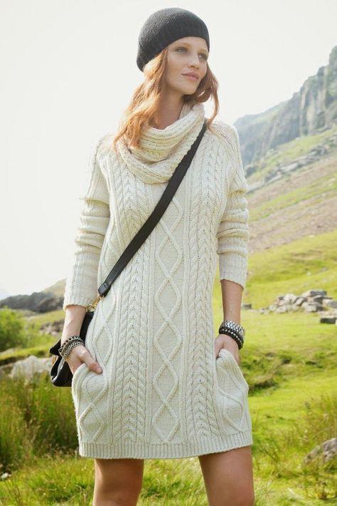 Sweater dress (Cintia Dicker)