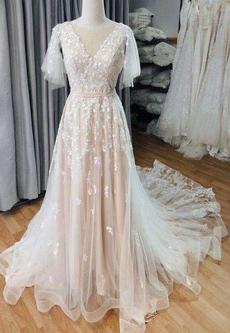 Blush Pink Wedding Dress, Blush Pink Weddings, Long Wedding Dresses, Vintage Wedding Dresses, Colored Wedding Dresses, Garden Wedding Dresses, Boho Prom Dresses, Sleeve Wedding Dresses, Boho Lace Wedding Dress