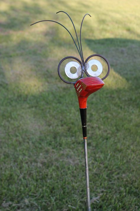 Golf Clubs Repurposed Two Hoots Homemade—Upcycling Pros Golf Club Crafts, Golf Club Art, Golf Ball Crafts, Golf Art, Metal Yard Art, Scrap Metal Art, Garden Crafts, Garden Art, Garden Club