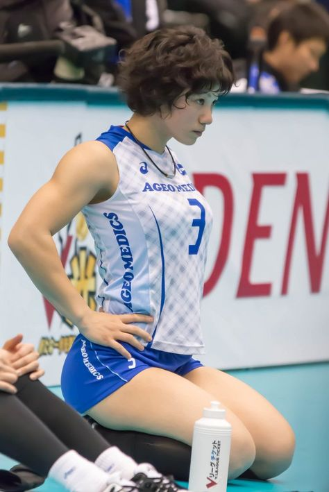 """thechronicleofshe: """" kinda-nsfw: """" Shiho Yoshimura 吉村志穂 """" i have never felt gayer in my life. Female Volleyball Players, Women Volleyball, Beach Volleyball, Volleyball Quotes, Volleyball Gifts, Girls Basketball, Softball Players, Girls Softball, Female Pose Reference"""