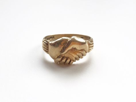 V I N T A G E // 9ct or 10k / Fede Gimmel ring / yellow gold / Claddagh / size 9 by therajahpress on Etsy https://www.etsy.com/listing/265532227/v-i-n-t-a-g-e-9ct-or-10k-fede-gimmel