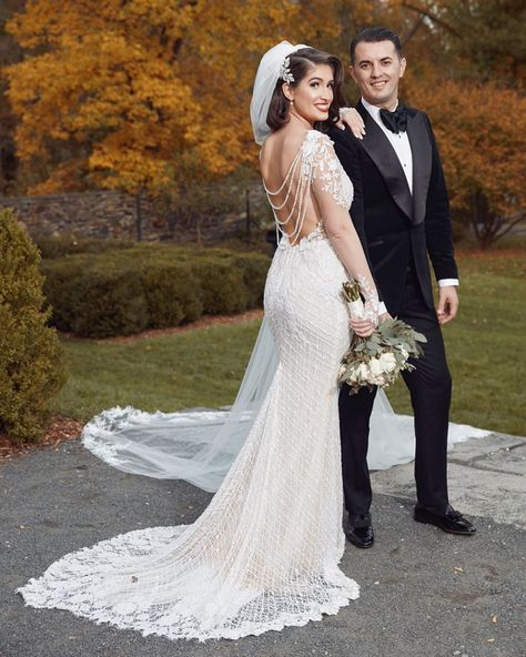 Stunning from head to toe! Our gorgeous #GLBride Diana looks breathtaking in her Galia Lahav   #Rhiannon wedding dress with low back from Bridal Reflections  Photographer: @fgp_studios