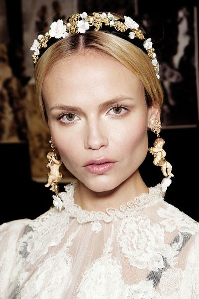 Go behind-the-scenes at the Dolce & Gabbana Fall 2012 Ready-To-Wear runway show for an insiders' look at the beauty, hair, and makeup that complete the designer vision.