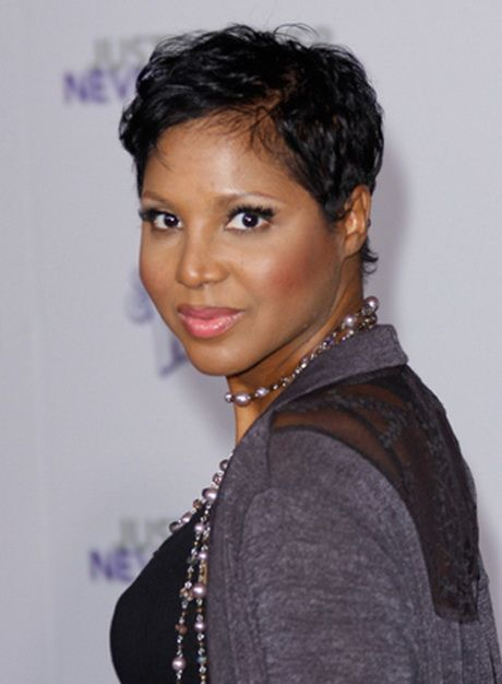 Toni Braxton Short Hairstyles In 2020 Damp Hair Styles Hairstyle African Hairstyles
