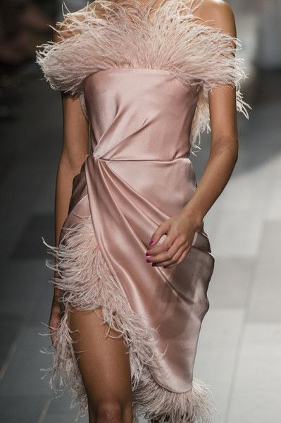 Marchesa #at #New #York #Fashion #Week #Spring #2018 #Details #Runway #Photos #- #Fashion #Marchesa #Spring #Week #York #- #Fashion