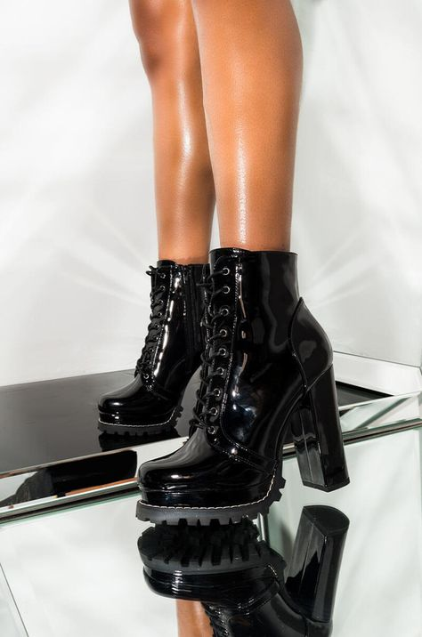 Embrace your inner dangerous woman. The AKIRA label Badass Platform Lace Up Bootie has a shiny, patent exterior, grommet lace up design, thick sole and larger than life chunky high heel. Wear them with a tiny little slip dress and a sassy attitude and be Blue Knee High Boots, Chunky High Heels, Thigh High Boots, High Heel Boots, Heeled Boots, Shoe Boots, Boots With Heels, Cool High Heels, Lace Up High Heels