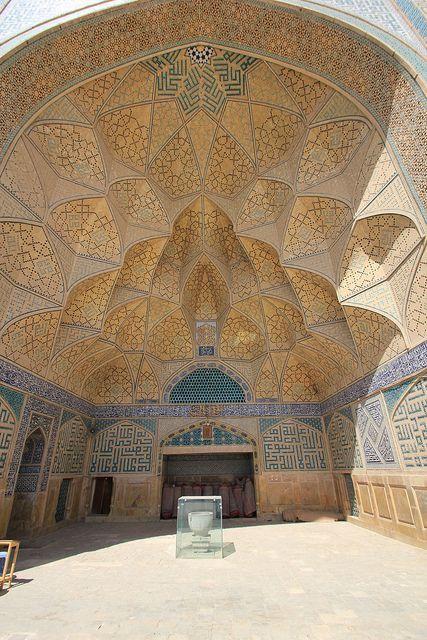 مسجد مدخل باب سقف القرميد والطوب Mosque Islamic Architecture Architecture