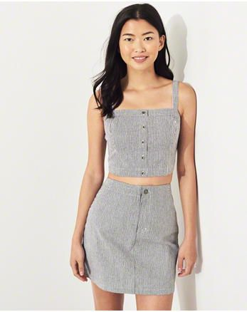 bfe18fcb016 hol Button-Front Ultra Crop Top