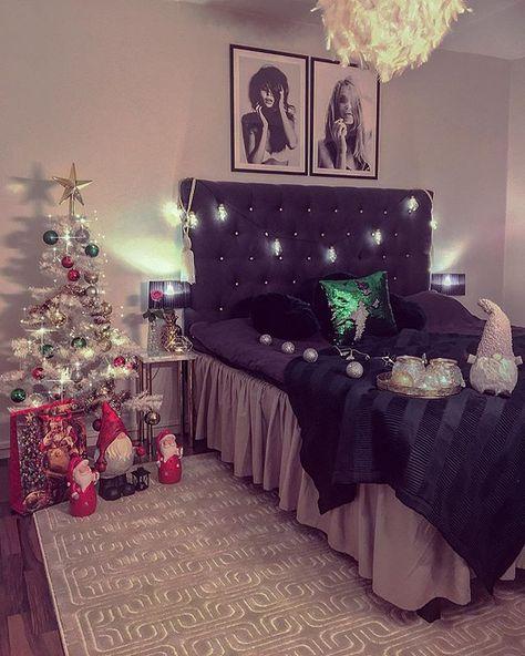 jul My little girl Christmas tree...