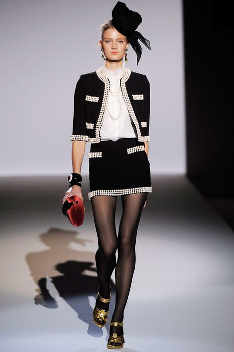 Moschino Spring 2010 Ready-to-Wear Collection Photos - Vogue