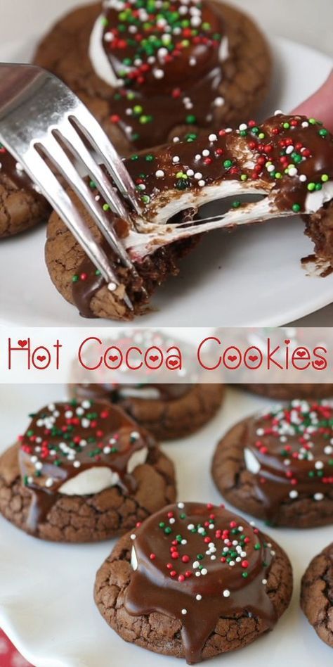 Hot Cocoa Cookies- Hot Cocoa Cookies The BEST Christmas cookie ever! Chewy, flavorful and delicious Hot Cocoa Cookies! Perfect for a holiday cookie exchange. Christmas Deserts, Best Christmas Cookies, Christmas Decor, Christmas Baking Ideas Cookies, Homemade Christmas Treats, Holiday Treats, Christmas Brownies, Christmas Party Food, Xmas Cookies
