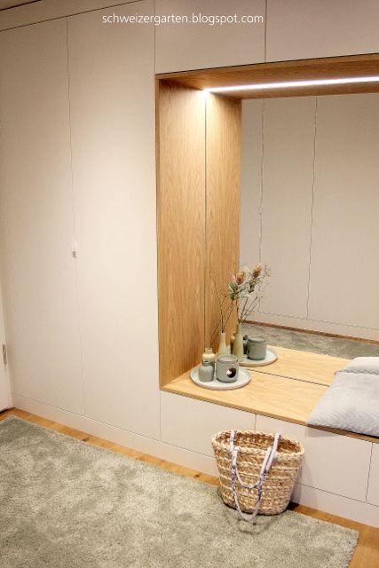 Einbaugarderobe+Familie+Stauraum+modern+weiss+Eiche+geC3B6lt+ - interieur in weis und holz modern design