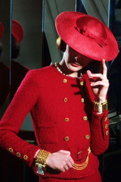 Love this look! Chanel worn by Ines de la Fressange.