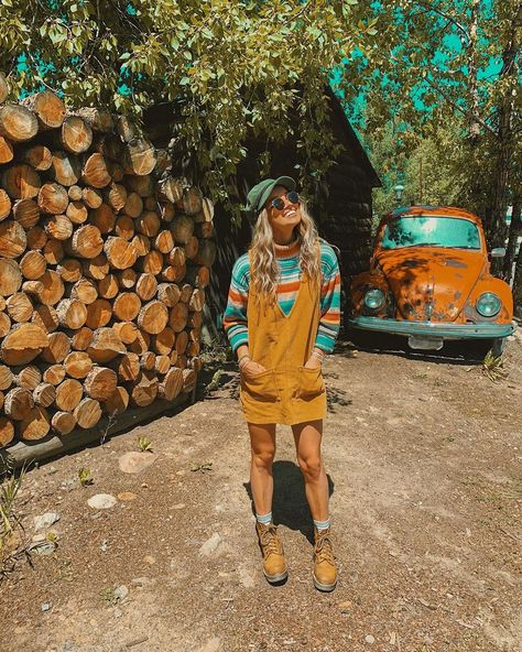 Fall outfits for women and for college and teen girls 2019 casual Boho Outfits, Girl Outfits, Summer Outfits, Cute Outfits, Cute Hippie Outfits, Electric Daisy Carnival, Boho Aesthetic, Aesthetic Clothes, Surfergirl Style