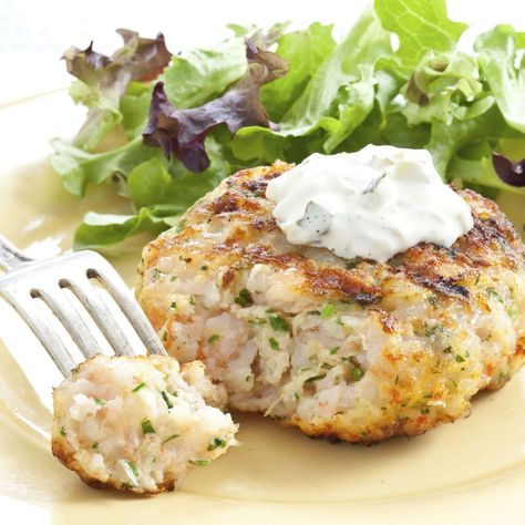 A good shrimp burger should be first and foremost about the shrimp. Unfortunately, many shrimp burgers are more reminiscent of fish-flavored rubber patties or over-seasoned bread balls than. Burger Recipes, Fish Recipes, Seafood Recipes, Seafood Bake, Recipies, Shrimp Dishes, Fish Dishes, Clean Recipes, Cooking Recipes