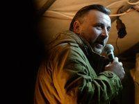 Der Mitbegründer der Pegida, Lutz Bachmann, spricht am 02.11.2015 auf dem Theaterplatz in Dresden während einer Kundgebung und verglich dabei den Bundesjustizminister Heiko Maas mit Goebbels.