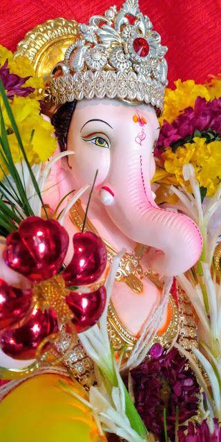 Cute Lord Ganesha Smiley Wallpaper Bappa Ganesh Wallpaper Ganpati Bappa Wallpapers Happy Ganesh Chaturthi Images