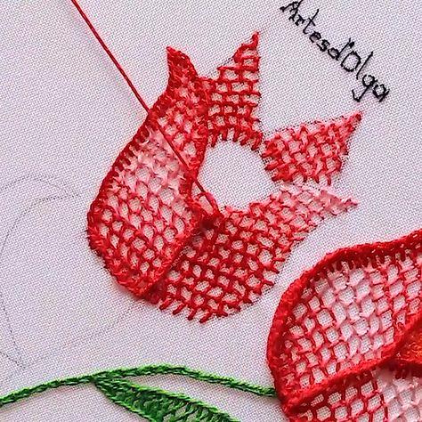 En este video te muestro cómo bordar tulipanes. Espero te guste. . . . . #artesdeolga #artesdolga #bordado #bordados #manualidades #diy #tutoriales #videos #crafts #embroidery