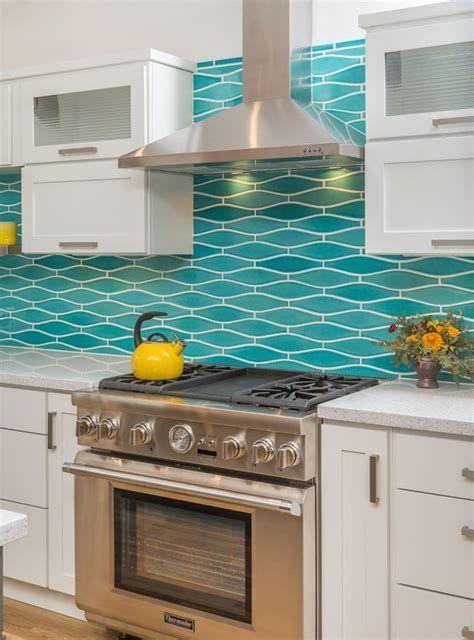 Remodeled Kitchen W Wavy Turquoise Backsplash White Trendy Kitchen Backsplash Trendy Kitchen Tile Turquoise Kitchen