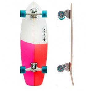 Carver Firefly 30.25 - Das Carver Firefly ist das progressive Shortboard unter den Surfskateboards für alle Surferinnen! Aber nicht nur für Skate Girls ein heißes Teil!  * Versandkostenfrei ab 100 € | Versand innerhalb 48 Stunden | Gratis Tool für komplett Surfskate*