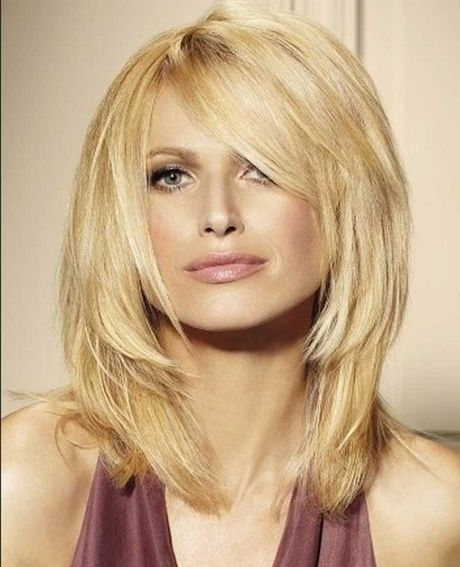 Frisuren Frauen Lang Stufig Mittellanger Haarschnitt