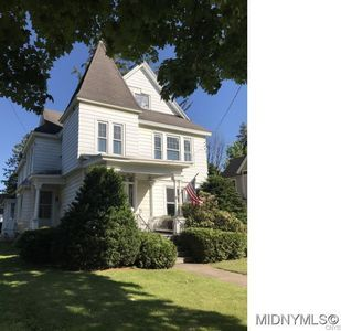 75 S Main St Dolgeville Ny 13329 Apartments For Rent Zillow Old Houses Victorian Homes Victorian Mansions